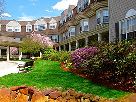 Grove Manor Estates: Premier  Assisted Living in Braintree